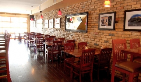 Kramers-Bar-and-Grill-bar